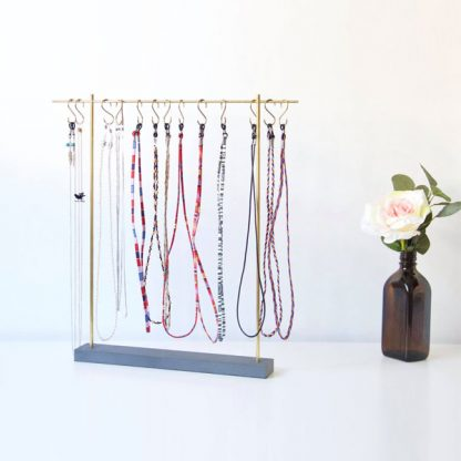 Présentoir à cordons et chaines à lunettes